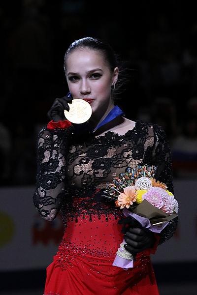 【インスタ】宇野昌磨(ロシア耳当て帽)+ザギトワ